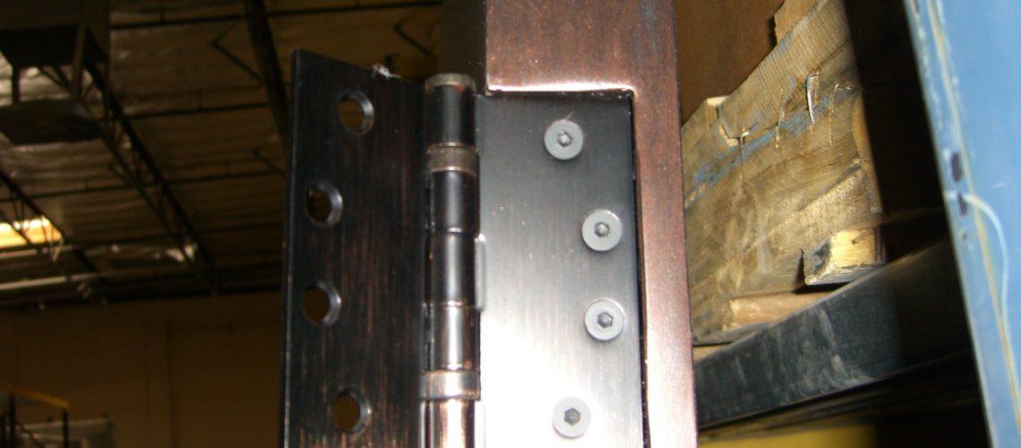 ball-bearing-hinge-water
