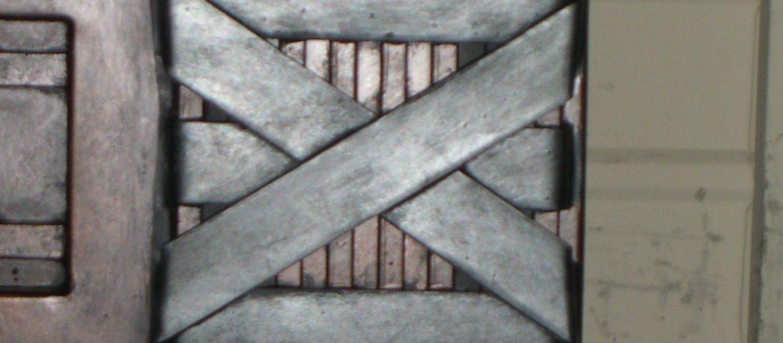 column-banding-detail-water