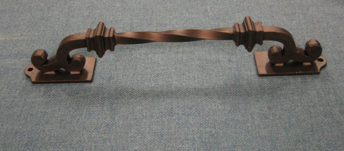 ghiatis-pull-water